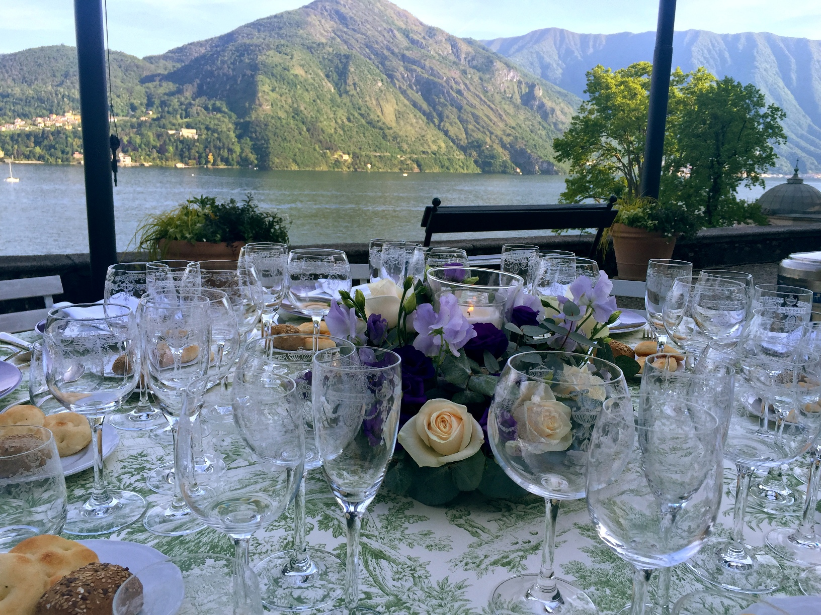 exclusive dinner in Como Lake